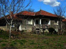 Rural house near Danube river in Pleven region Ref. No 55092