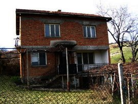 Rural brick house in Kardjali region.Good investment in bulgarian property. Ref. No 44270