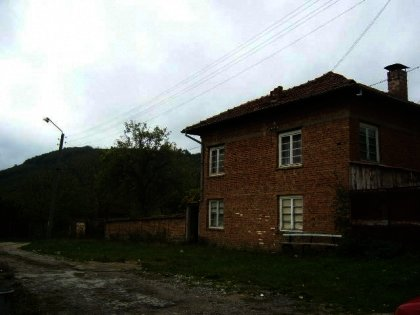 Attractive rural house near Veliko Tarnovo in Bulgaria. Ref. No 594169