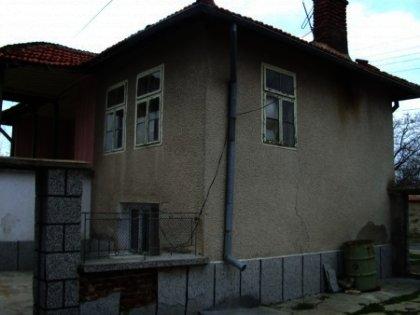 Rural brick house near Nova Zagora in  Bulgaria. Ref. No 00501