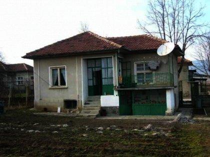 Detached single-storey house near Gabrovo Ref. No 59064