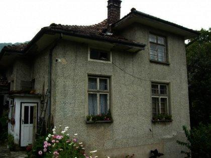 Spacious family home near Gabrovo in Bulgaria Ref. No 59032