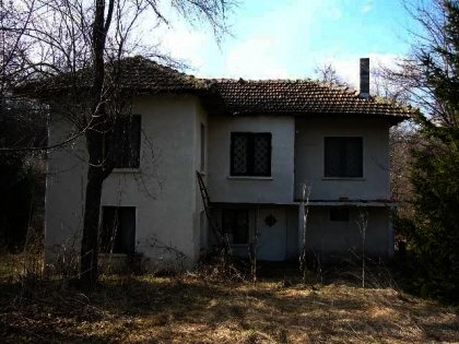 A cosy house in Bulgaria near Troyan with a barbecue area  Ref. No 592054